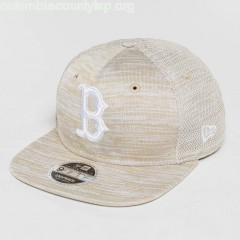 Snapback Cap Engineered Fit Boston Red Sox 9Fifty in beige dtOdCENS