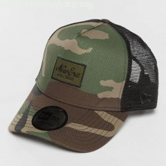 Trucker Cap Script Patch in camouflage IGMJkkJ4