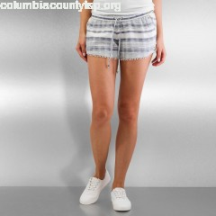 Women Short Jacquard Lace in white CsETGa4E