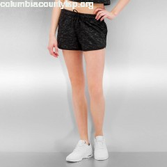 Women Short Space Dye in black veSfqQ2G